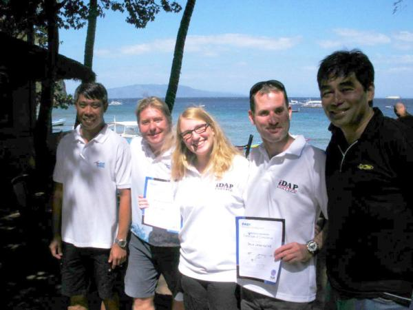 A happy iDAP group at Asia Divers